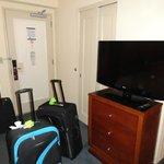 Puesta de entrada , tv y placard
