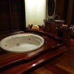 Very big bath/spa