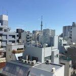 お部屋から東京スカイツリーが見えます。View from the room.