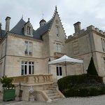 Este es el Chateau, donde tienen habitaciones y donde se puede alojar uno