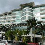 El bloque principal del hotel, donde su alojamiento se denomina de Los Peixes (peces)