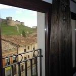 Vista del Castillo desde una de las cuatro ventanas de la habitacion