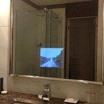 lo specchio con tv