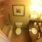 banheiro quarto queen - duas camas