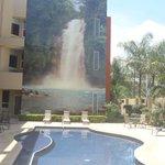 Area de la Piscina: Un buen mural que relaja