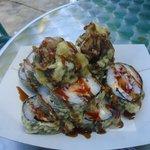 Salmon crunch sushi