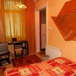 Studio - bedroom - entry