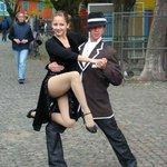 bailarines callejeros de tango