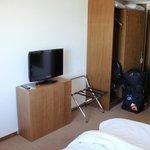 TV & wardrobe