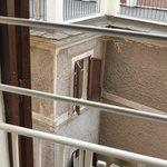 А из нашего окна крыши Рима видно. Да!