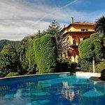 Pool und historische Villa