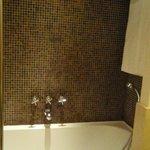 Shower Bathroom Room G