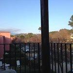 """Pour chaque """"villa"""", un petit jardinet privatif + une terrasse à l'étage. Parking devant la mais"""