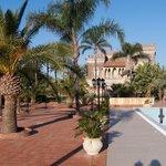 Garten, Schloss und Pool