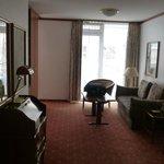 Zimmer Blick Richtung Balkon