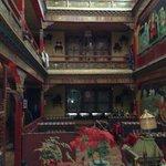 Foto de Delin Hotel Lhasa Dazhao Temple