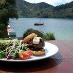 Lochmara Cafe