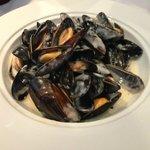 Garlic & Creamed mussels