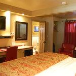 Deluxe Guestroom D