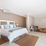 Luxury Suite in Robberg House Villa