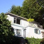 Island Vista Cottage, private entrance, self contained, waterfront location