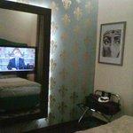 Televisión incluida en el espejo