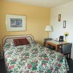 Queen Bed Single Room
