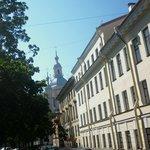 Вид с Большого на Андреевскую церковь, там в переулке корпус Юридического был, сейчас - не знаю?