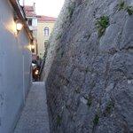 Narrow path to the restaurant