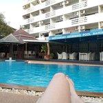 Relaxen am  Pool, sehr ruhig und nett - Der Pool wird gekühlt*