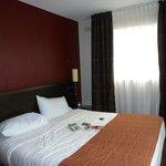 Chambre avec un lit très confortable