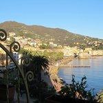 Il Castello di Rapallo visto da una camera del Rosabianca