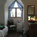 Zimmer für Familie, Giebelfenster
