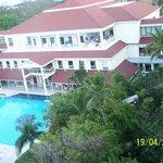 Hotel (vista a la playa)
