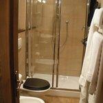 doccia della camera etnica