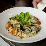 Little neck clams pasta