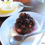 mousse de chocolate con frutas secas