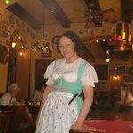 Lydie, kelnerin extraordinaire!