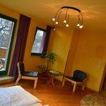 Obergeschosszimmer mit großzügiger Terrasse