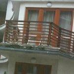 Smutsig balkong, med mögel