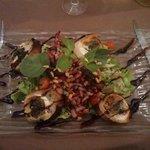 Salade chêvre chaud sur toasts grillés