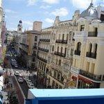 Vista desde el balcón (fondo derecha, reloj de la plaza del sol)
