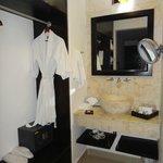 closet/wash area