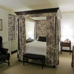 Ewing Shop queen canopy bed