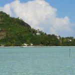 Le lagon et vue sur l'île de Maupiti