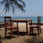 Restaurantbereich am Strand