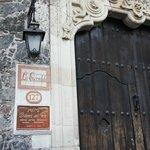 Casa de Dolores del Rio frente al museo