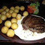 ryggbiff med kroketter och pepparsås. sirlionsteak with peppersauce.