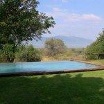 espace piscine avec vue sur le dam