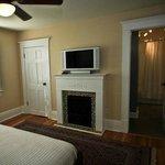 Fireside Suite, Fireplace/TV